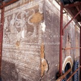 Facciata a graffito in via della Maschera D'Oro - Roma
